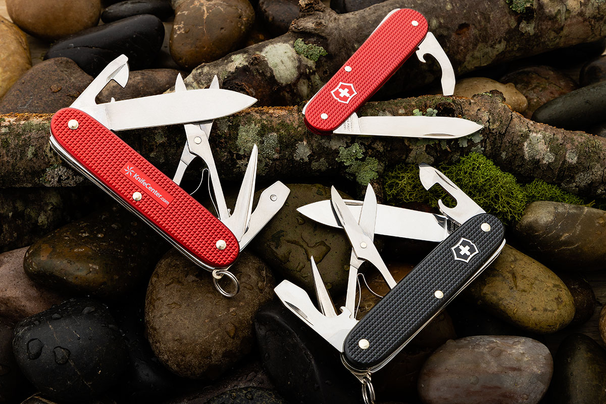 KnifeCenter Exclusive Swiss Army Pioneer X and Bantam Pocket Knives