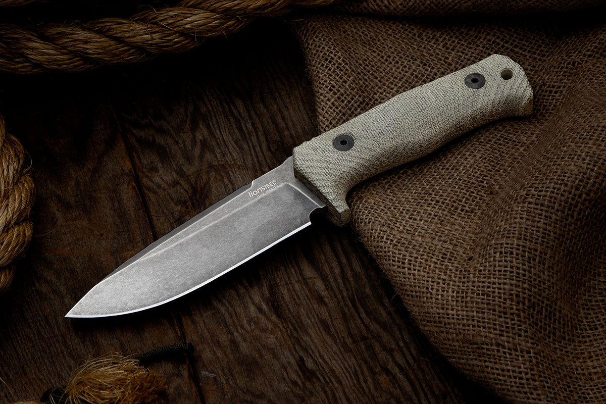 LionSteel T5BCVG on wood and burlap background